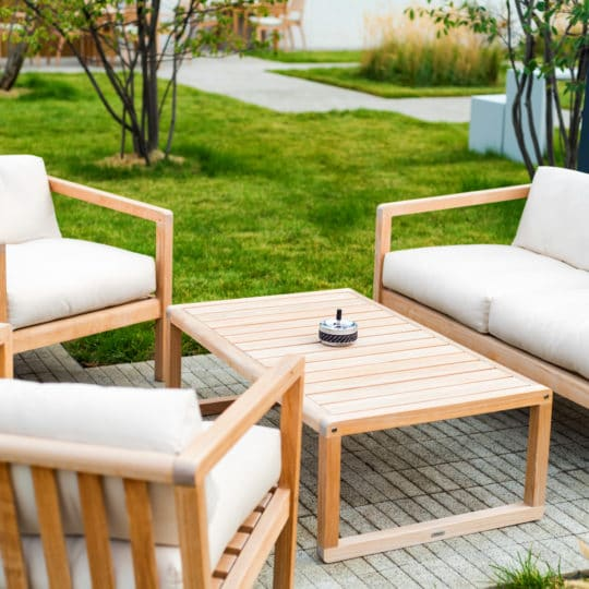Five Tips for Cleaning Outdoor Upholstery